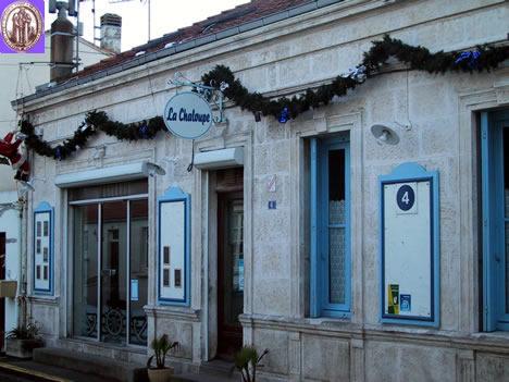La brechoire charente places to eat further away - Restaurant la chaloupe port des barques ...